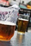 Brocca di birra immagini stock