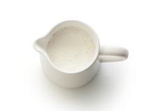 Brocca di latte con latte fotografie stock libere da diritti