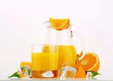 Brocca di succo di arancia Fotografia Stock