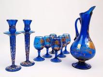Brocca di vetro di cristallo degli elementi di Deco dell'oro blu Fotografia Stock Libera da Diritti