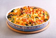 Broccoli cheese pasta bake Royalty Free Stock Images