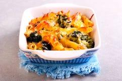 Broccoli cheese pasta bake Stock Photos