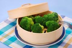 Broccoli cuit à la vapeur image stock