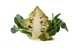 Broccoli di Romanesco o cavolfiore romano, mezzo taglio, isolato sulla a Immagini Stock Libere da Diritti