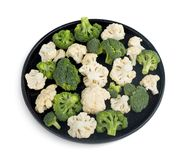 Broccoli e cavolfiore sulla banda nera immagine stock libera da diritti