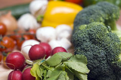 Broccoli en radijzen Stock Afbeeldingen