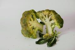 Broccoli freschi con le foglie Fotografia Stock Libera da Diritti