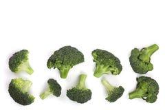 Broccoli freschi isolati sullo spazio bianco della copia del backgroundwith per il vostro testo Vista superiore Modello piano di  Fotografia Stock Libera da Diritti