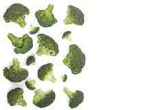 Broccoli freschi isolati sullo spazio bianco della copia del backgroundwith per il vostro testo Vista superiore Modello piano di  Immagine Stock Libera da Diritti