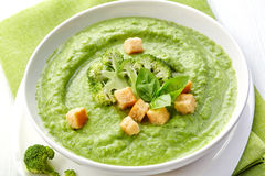 Broccoli and green peas soup Stock Photography