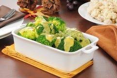 Broccoli med ostsås Royaltyfri Foto