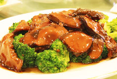 Broccoli and Mushroom on Oyster Sauce Royalty Free Stock Images