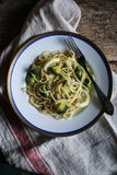 Broccoli och citronspagetti med cappers Royaltyfri Bild