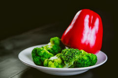 Broccoli, red pepper, vegetables, raw food diet Stock Photography