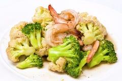 Broccoli Stir-fried With Cauliflower And Shrimp Royalty Free Stock Photos