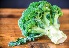 Broccoli on wood background Royalty Free Stock Photography