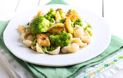 Broccoli, zucchini and pea pasta Royalty Free Stock Photography