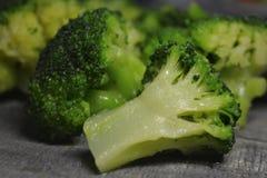 Broccoliinflorescencescloseup - ingrediens för att laga mat, vegetarisk mat arkivfoton