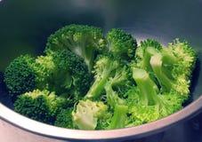 Broccolo cotto a vapore Immagine Stock Libera da Diritti