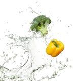 Broccolo e capsico freschi Fotografie Stock Libere da Diritti