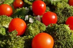 Broccolo e pomodori Fotografia Stock