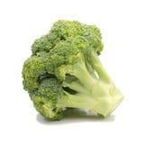 Broccolo fresco isolato su priorità bassa bianca Immagine Stock