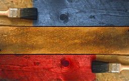Coloración de un pedazo de madera Fotografía de archivo libre de regalías