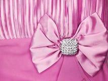Broche de bijoux avec le fond de satin et de soie Photo libre de droits
