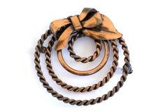 Broche de cuivre de cru avec des cercles et une proue photo stock