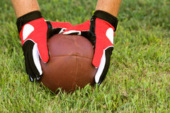 Broche de presión del fútbol americano Fotos de archivo libres de regalías