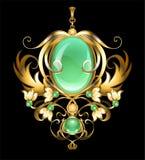 Broche do ouro com gemas do chrysoprase Fotos de Stock
