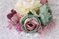 Broche hecha de las flores de seda Imagen de archivo libre de regalías