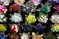 Broches de bijoux faites de pierres naturelles Image libre de droits