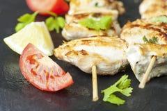 Brochette grillée de poulet Images stock