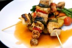 Brochettes de poulet grillées par BBQ Images libres de droits