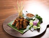 Brochettes de viande et grillées, Satay Photographie stock libre de droits