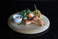 Brochettes des saumons Photos libres de droits