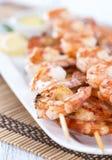 Brochettes fraîches de crevette rose Image libre de droits