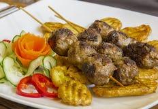 Brochettes grillées de viande Photos stock