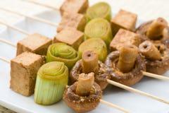 Brochettes végétariennes asiatiques Images stock