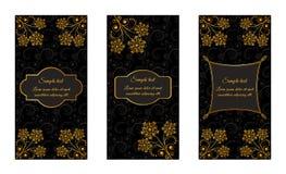 Brochuras do vintage do projeto com testes padrões florais do ouro Fotos de Stock