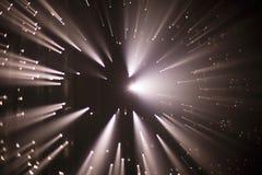 Brocken 5 1 ljus installation av Yasuhiro Chida på republikfyrkanten i Prague under festivalen 2016 för signalljus Royaltyfri Fotografi