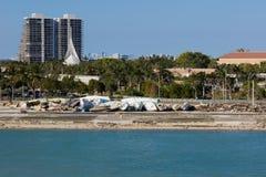 Brocken-Yachten entlang dem Kanal in Miami Effekte von Hurrikan I Lizenzfreies Stockbild