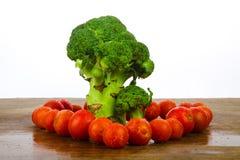 Brocoli avec des tomates Photographie stock