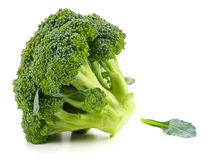 Brocoli cru sur le fond blanc Photo stock