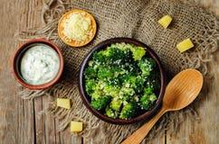 Brocoli rôti par parmesan d'ail photos libres de droits