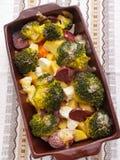 Brocolli och potatiseldfast form Royaltyfria Foton