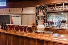 Brocs de bière - Samuel Adams Brewery Tour - Boston, mA photographie stock libre de droits