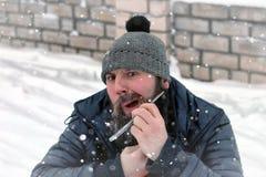 Brodata mężczyzna lodu zima Fotografia Royalty Free