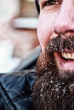 Brodaty brudzi mężczyzna zimę Obrazy Royalty Free